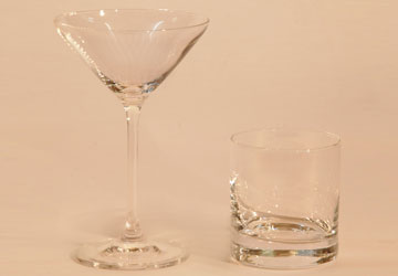 Alquiler Copa Martini y Vaso the rocks para eventos.