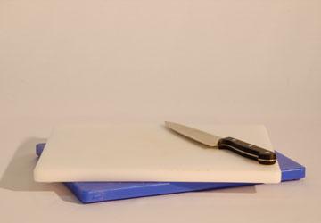 Alquiler Mesa de corte y cuchillos para eventos.